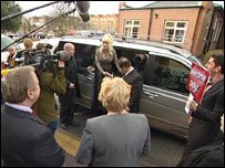 Dolly Parton arrives in Rotherham