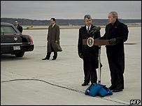 George W Bush (derecha), 5 de diciembre de 2007