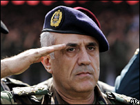 Lebanon's army chief Gen Michel Suleiman (file)