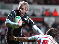 Justin Marshall added the Ospreys' second try before half-time