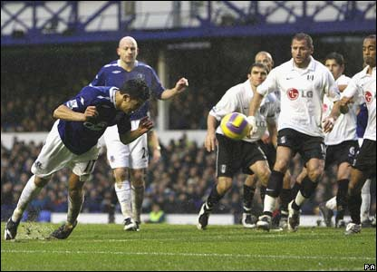 Everton's Tim Cahill in action against Fulham