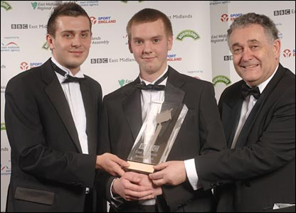 Tom Styles (c) with snooker player Mark Selby and Councillor David Parsons
