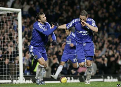 Frank Lampard celebrates Chelsea's second goal