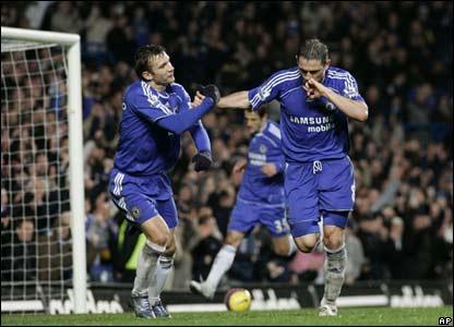 Frank Lampard celebrates Chelsea's second goal