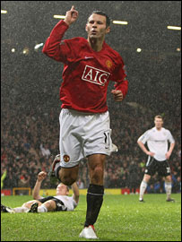Giggs celebrates his 100th league goal for Man Utd in the 4-1 win over Derby