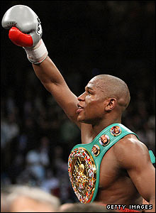 Mayweather celebrates his win