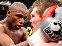 Mayweather consoles beaten Hatton