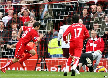 Stewart Downing scores from the penalty spot