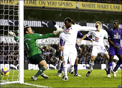 Pascal Chimbonda scores for Tottenham