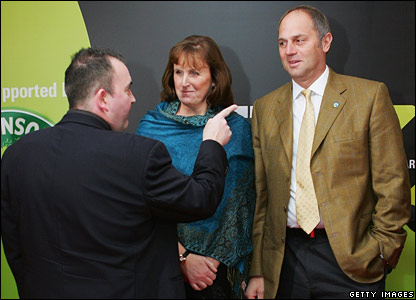 Phil Taylor meets Sir Steve Redgrave