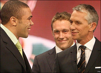 Gary Lineker speaks to Bryan Habana