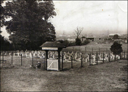 Ilford Animal Cemetery in the early 1950s. Picture courtesy of PDSA