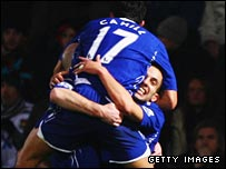 Leon Osman is mobbed after equalising for Everton at West Ham