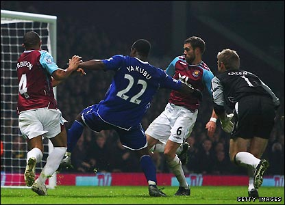 Yakubu scores Everton's winner