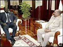 SPLM leader Salva Kiir (l) with President Omar al-Bashir