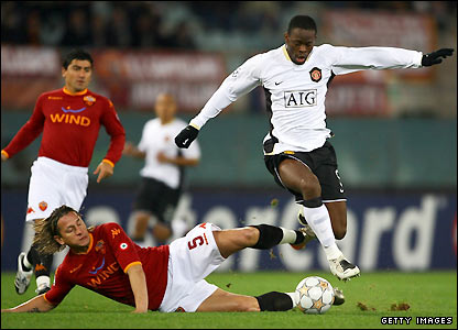 Philippe Mexes tackles Saha