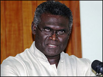 Solomon Islands Prime Minister Manasseh Sogavare speaks in the capital Honiara, Solomon Island (11/11/2007)