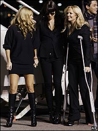 Emma Bunton (r) with Geri Halliwell and Melanie Chisholm
