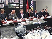Canadian police in Vancouver announce the arrests and display seized drugs - 12/12/2007 (photo from CBC)