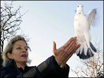 Actress Jenny Seagrove releases a pigeon