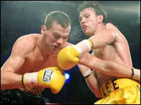 Andy Lee in action against Jason McKay