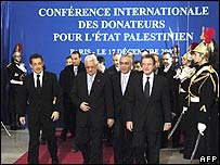 French and Palestinian leaders at the conference