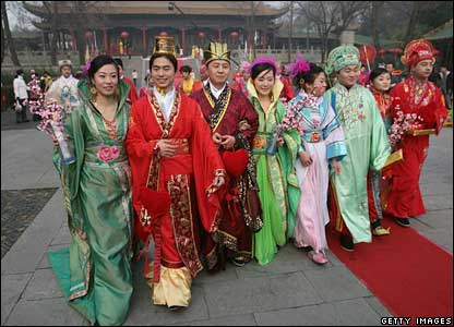 A mass wedding ceremony in Nanjing