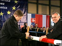 Slovak Prime Minister, Robert Fico (left) and Chancellor Gusenbauer of Austria