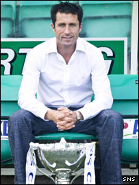 Happier times for Collins at Hibs with the CIS Insurance Cup