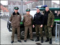Joint German and Polish border patrol