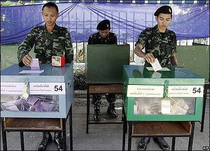Thai soldiers cast their votes in Bangkok