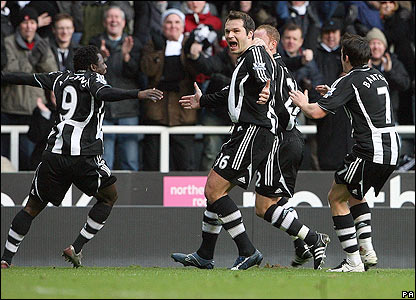 Mark Viduka celebrates his goal for Newcastle
