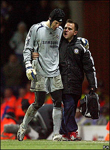 Chelsea keeper Petr Cech succumbs to a hip injury