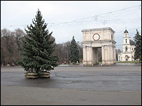 Christmas tree in the Moldovan capital