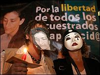 Marcha en Medellín por intercambio humanitario con las FARC (20/12/07)