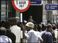 Long queues at banks in Harare on Monday