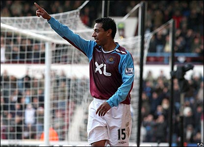 Nolberto Solano celebrates scoring the opener at Upton Park