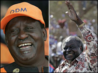 Raila Odinga (izq)  y el presidente Mwai Kibaki (der)