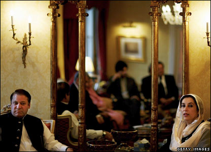 Benazir Bhutto and Nawaz Sharif in 2006 in London