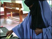 A woman votes in Garissa, north-eastern Kenya (Picture: BBC's Bashkash Jugosodaay)