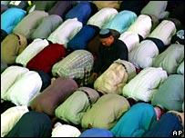 Malaysian Muslims pray at a mosque in Kuala Lumpur (file photo)