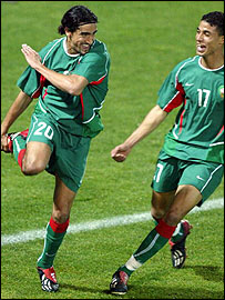 Youssef Hadji (l) and Marouane Chamakh
