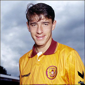 A young O'Donnell poses in his Motherwell jersey ahead of season 1992/93