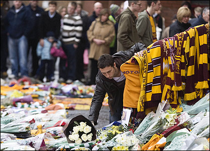 "Scott McDonald pays a visit to the O'Donnell ""shrine"""