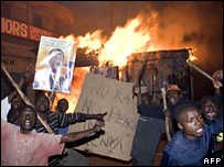 Odinga supporters riot in Kibera (30 December 2007)