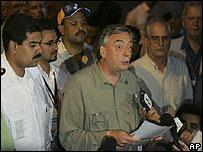 Néstor Kirchner durante la lectura de la declaración en Villavicencio