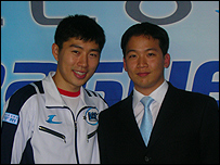 newsimg.bbc.co.uk/media/images/44330000/jpg/_44330789_lim_yo_hwan_with_coach_203.jpg