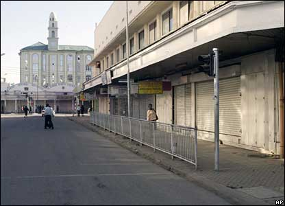 Shops remain closed in the centre of Nairobi