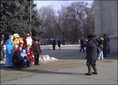 Taking pictures in a square in Chisinau