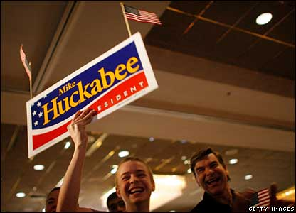 Two Huckabee supporters at Embassy Suites in Des Moines, Iowa